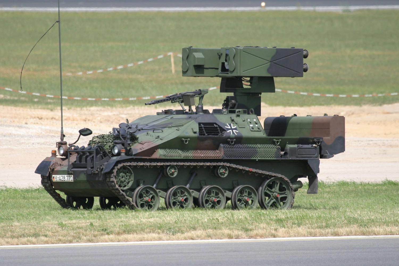 Das Ozelot Waffensystem der deutschen Luftwaffe im Einsatz PMM ist seit vielen Jahren Anbieter der unbemannten Flugzieldarstellung für das Stinger Waffensystem der Bundeswehr Hier nun kurzes Video der Bundeswehr über die Ausbildung mit dem LeFlaSys dem leichten Flugabwehrsystem
